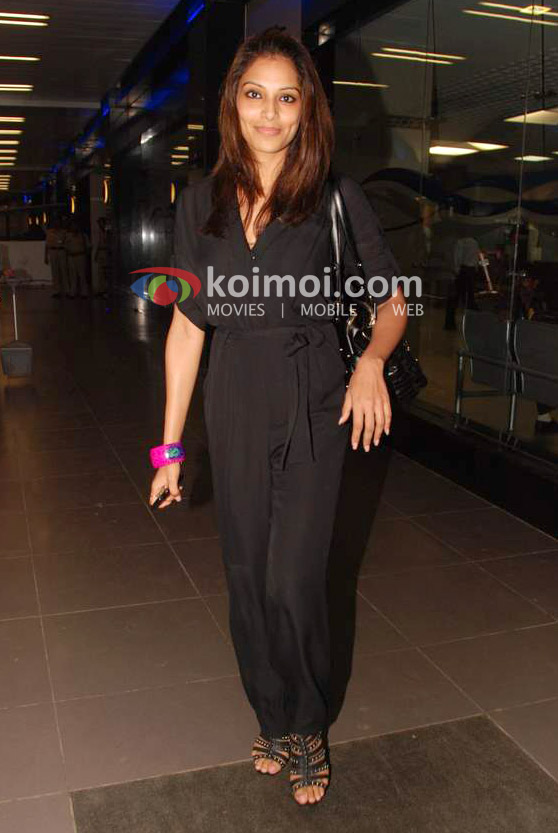 Bipasha Basu Back From IIFA