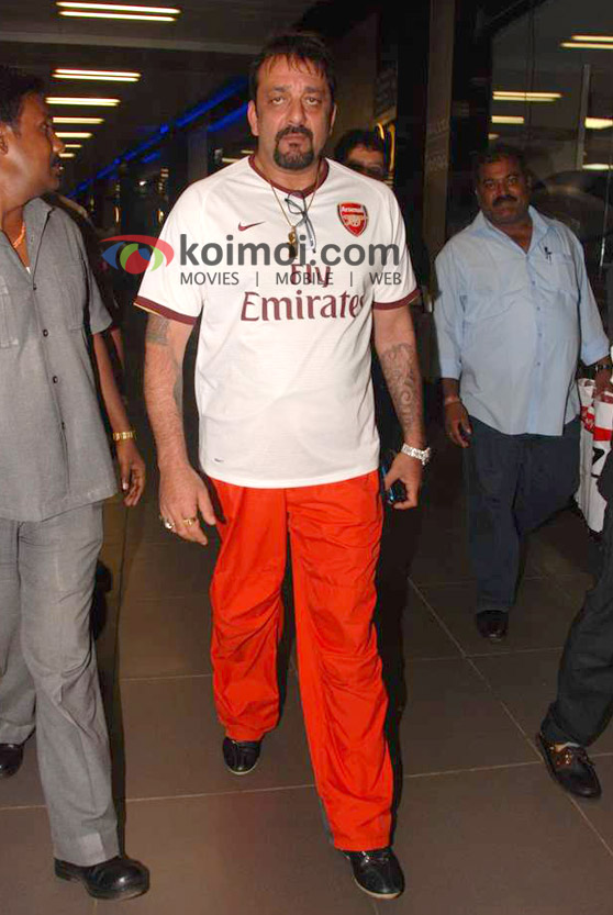 Sanjay Dutt Back From IIFA