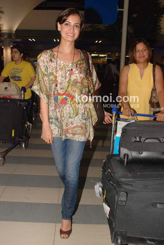 Dia Mirza Back From IIFA