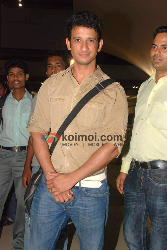 Sharman Joshi Back From IIFA