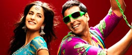Will Tees Maar Khan Deliver? Bollywood Desperate For A Hit!