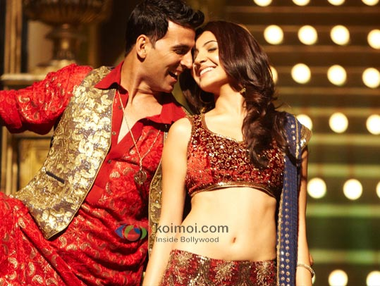 Akshay Kumar, Anushka Sharma (Patiala House Movie Stills)