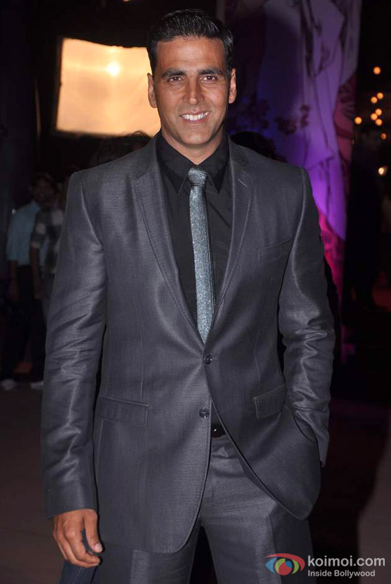 Akshay Kumar At Stardust Awards Red Carpet 2012 Event