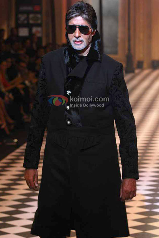 Amitabh Bachchan Ramp Walk At HDIL India Couture Week 2010 Event