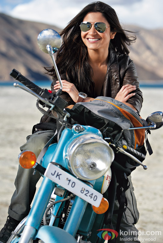 Anushka Sharma looks super cute on her bike in Jab Tak Hai Jaan Movie