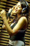Bipasha Basu in Aa Dekhen Zara Movie
