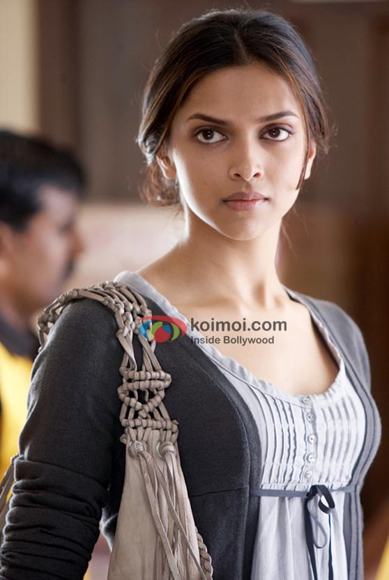 Deepika Padukone in Love Aaj Kal Movie