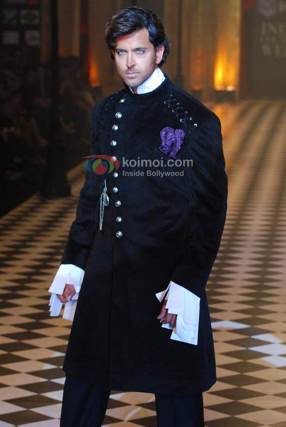 Hrithik Roshan Ramp Walk At HDIL India Couture Week 2010 Event
