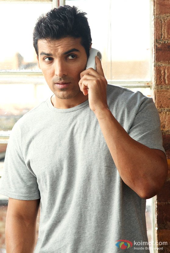 John Abraham on the phone in in Jhootha Hi Sahi Movie