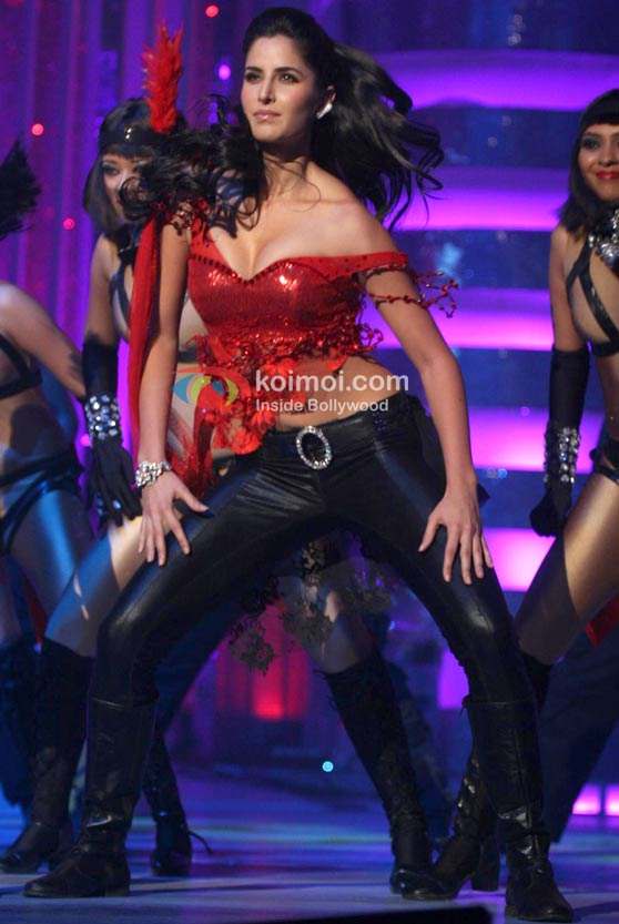 Katrina Kaif Hot At Big Star IMA Awards Event
