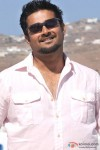 R. Madhavan enjoys the sun in Jodi Breakers Movie