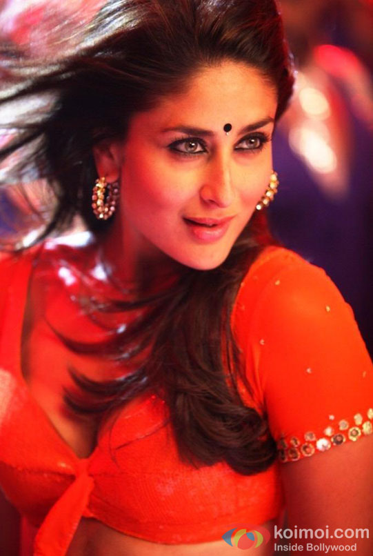 A Red Saree Hot Kareena Kapoor in a scene from Halkat Jawani song