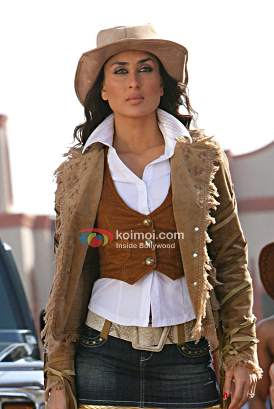 Kareena Kapoor in Golmaal Returns Movie