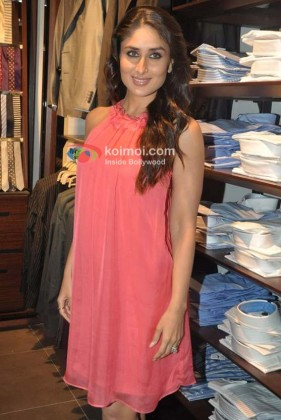 Kareena Kapoor At Shop