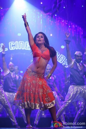 Kareena Kapoor's Moves From Halkat Jawani