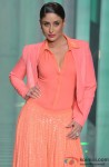 Kareena Kapoor walks the ramp at grand finale of Lakme Fashion Week Summer/Resort 2013