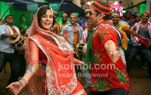 Katrina Kaif Dance With Salman Khan (Tees Maar Khan Movie Stills)