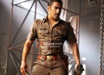 Salman Khan gets ready for a fight in Dabangg Movie