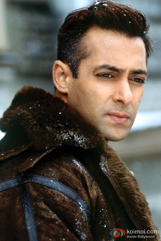 Salman Khan in the snow in Lucky : No Time For Love Movie