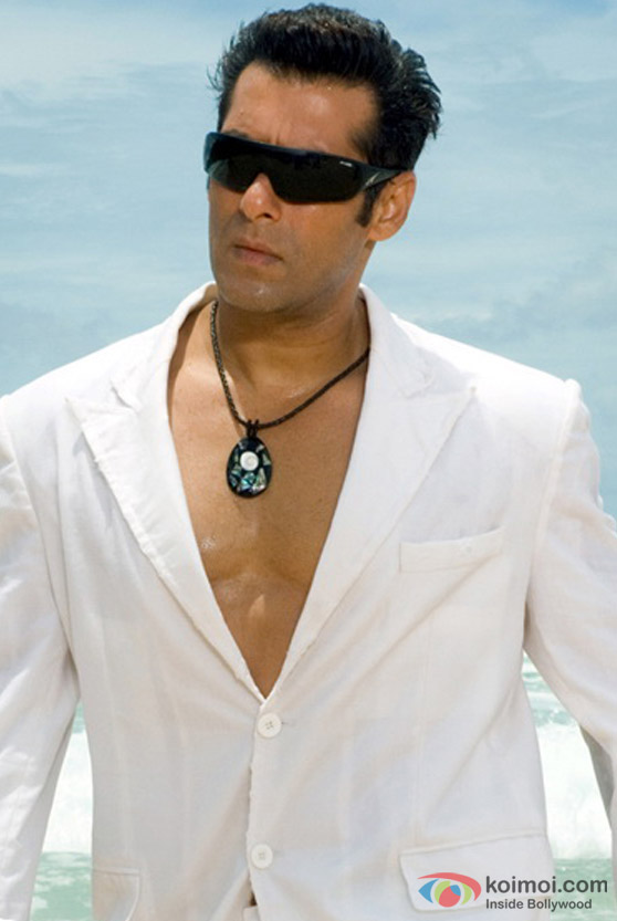 Salman Khan at the beach in Partner Movie