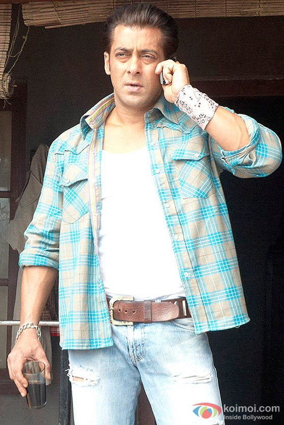 Salman Khan makes a deal in Wanted Movie