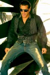 Salman Khan shakes a leg in Wanted Movie