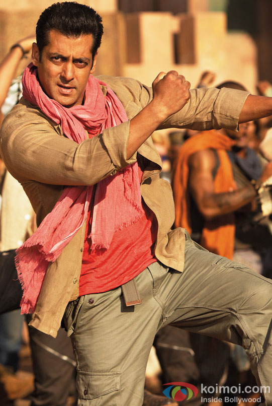 Salman Khan shake a legs on Mashallah song