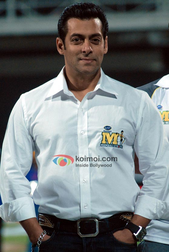 Salman Khan At CCL 2012 On Day 1