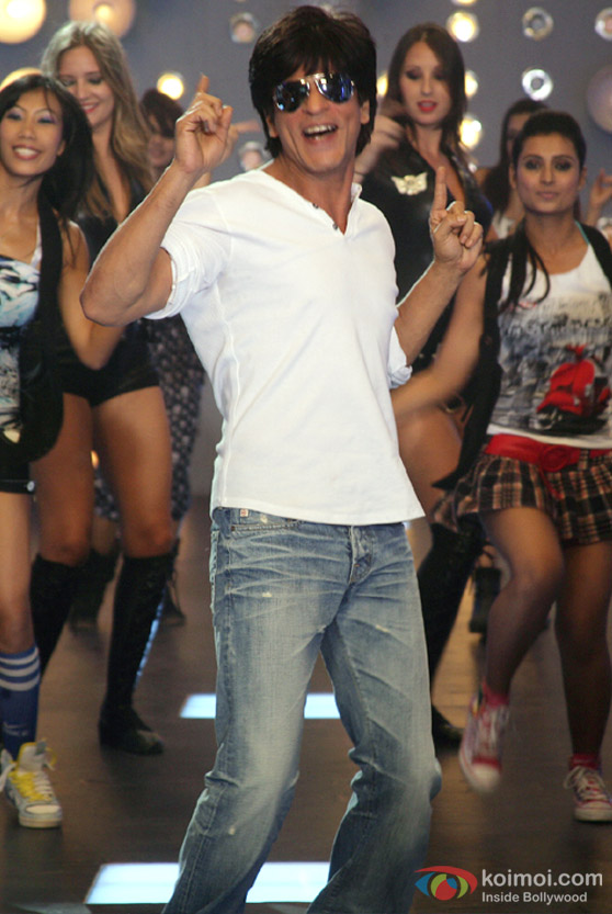 Shah Rukh Khan dances in Always Kabhi Kabhi Movie