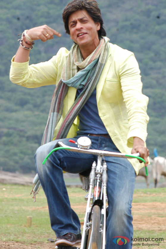 Shah Rukh Khan rides a bicycle in Billu Barber Movie