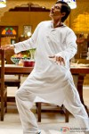 Shah Rukh Khan practises a few moves in Rab Ne Bana Di Jodi Movie