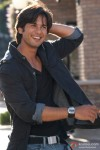 Shahid Kapoor blushes in Kismat Konnection Movie