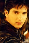 Shahid Kapoor 's smouldering look in Milenge Milenge Movie