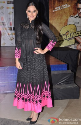 Sonakshi Sinha at the Premier of Dabangg 2