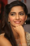 Sonam Kapoor at Raanjhanaa Press Meet