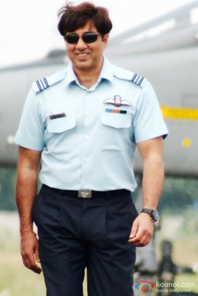 Sunny Deol in blue in Heroes Movie