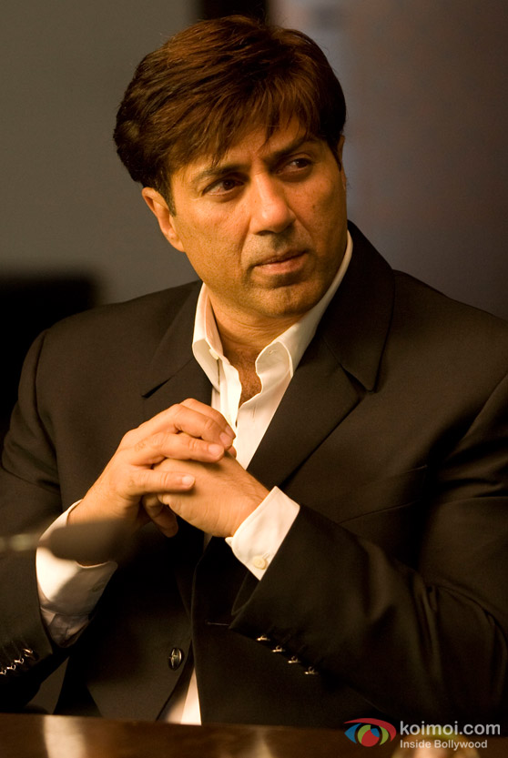 Sunny Deol contemplates in Right Yaaa Wrong Movie