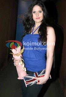 Zarine Khan Joins The Housefull 2 Gang