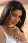 Asin Thottumkal in Ghajini Movie Stills