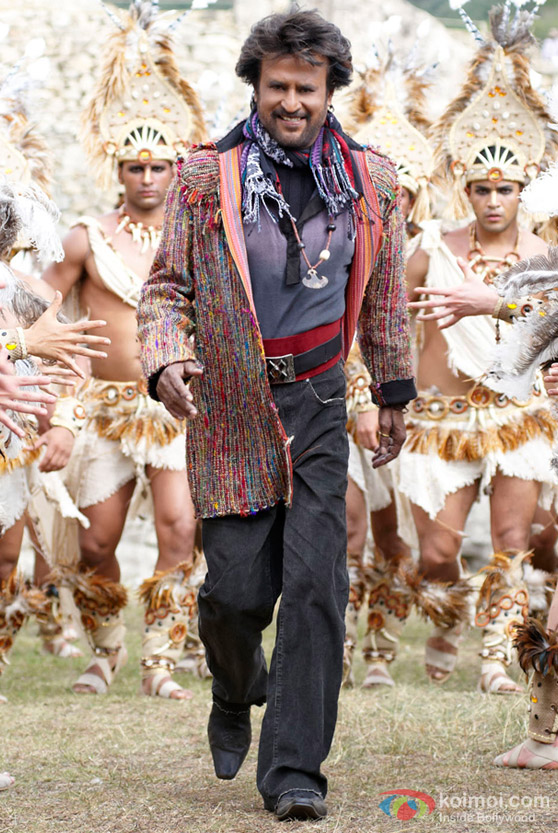 Rajnikanth shows off his style in Endhiran The Robot Movie