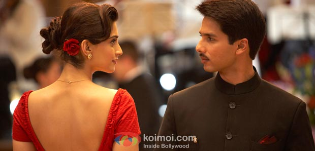 Sonam Kapoor, Shahid Kapoor (Mausam Movie Stills)