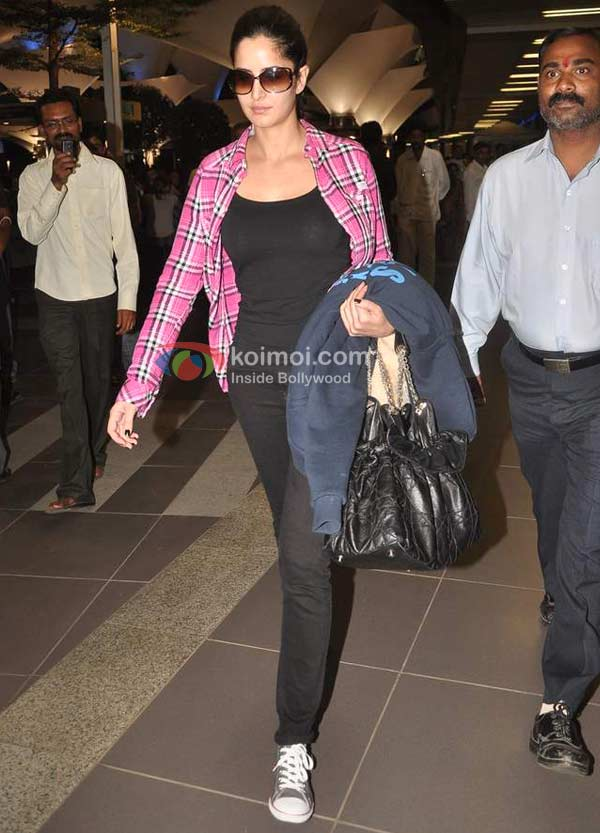 Katrina Kaif Spotted At Mumbai International Airport