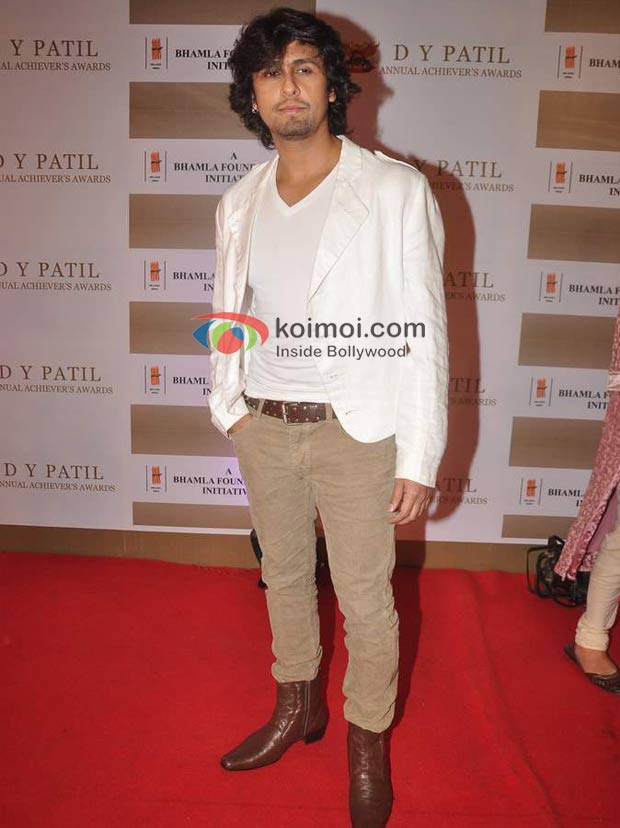 Sonu Nigam At D Y Patil Achievers Awards