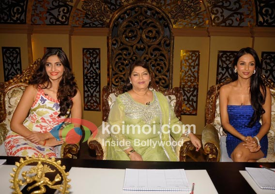 Sonam Kapoor, Saroj Khan, Malaika Arora On Sets Of Nach Le