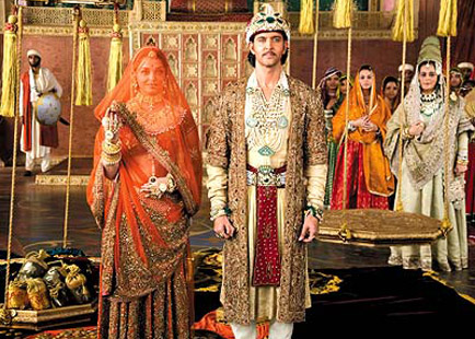 Hrithik Roshan in a still from Jodhaa Akbar