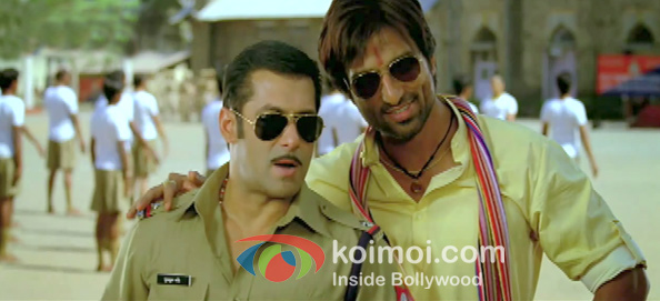 Salman Khan And Sonu Sood In Dabangg