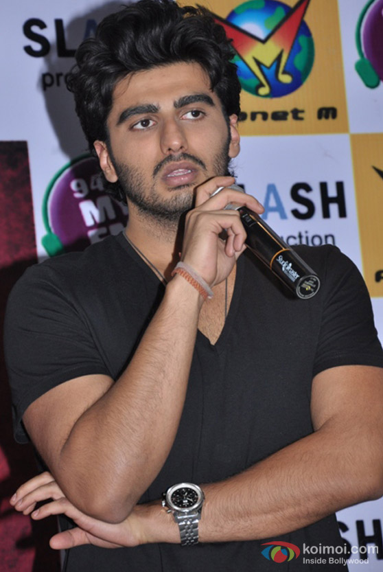 Arjun Kapoor interacts with the crowd