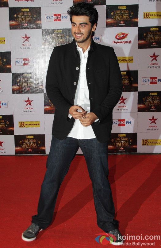 Arjun Kapoor at the red carpet of BIG Star Entertainment Awards 2012