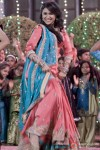 Parineeti Chopra shakes a leg in Ishaqzaade Movie
