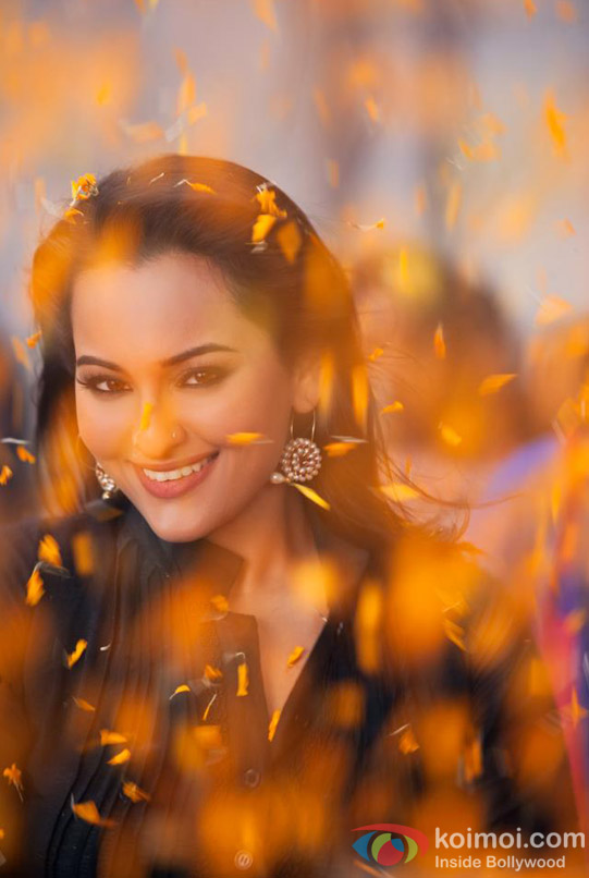 A super cute Sonakshi Sinha in Son Of Sardaar (Son Of Sardar) Movie Stills